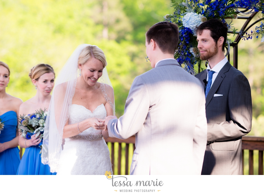 Ivy_hall_outdoor_wedding_creative_candid_emotional_wedding_pictures_tessa_marie_weddings_062