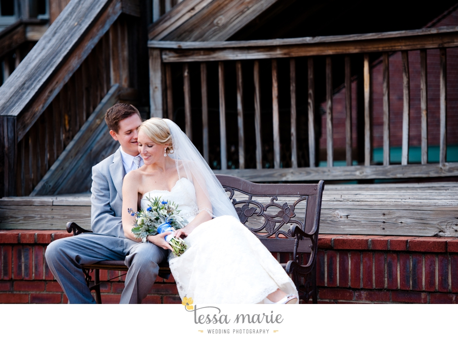 Ivy_hall_outdoor_wedding_creative_candid_emotional_wedding_pictures_tessa_marie_weddings_069