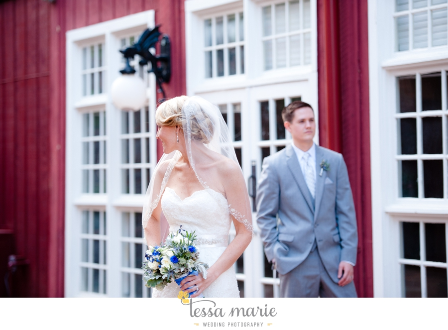 Ivy_hall_outdoor_wedding_creative_candid_emotional_wedding_pictures_tessa_marie_weddings_071