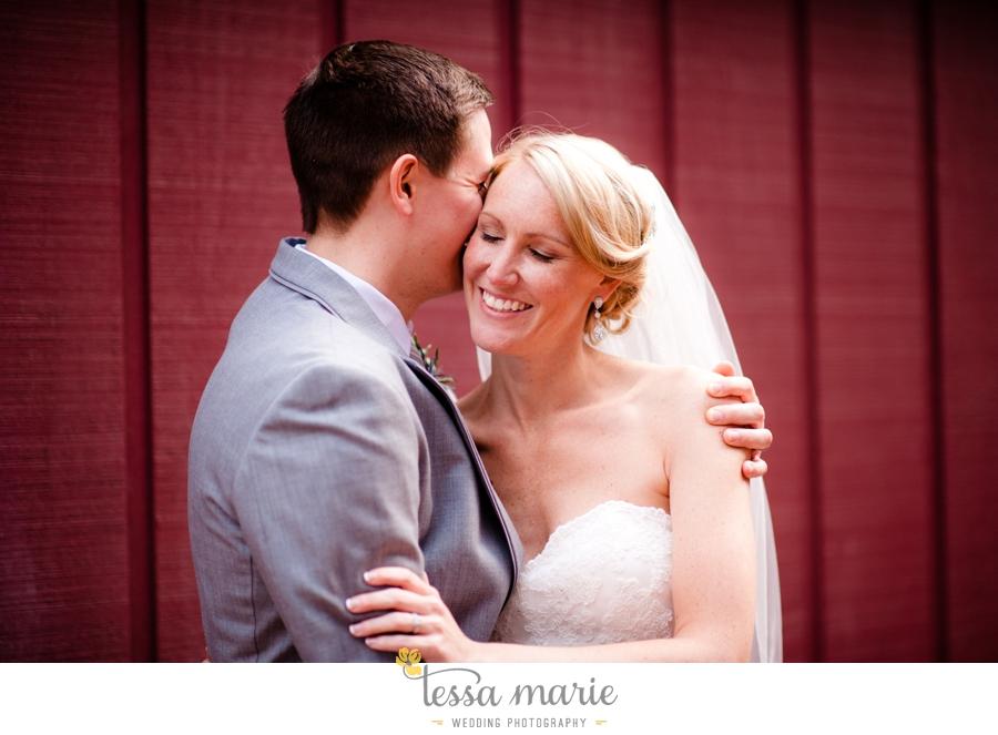 Ivy_hall_outdoor_wedding_creative_candid_emotional_wedding_pictures_tessa_marie_weddings_072