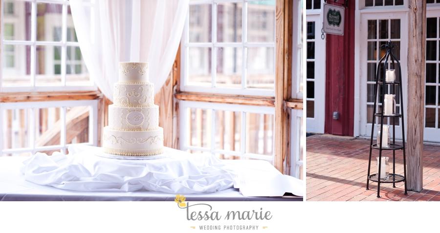 Ivy_hall_outdoor_wedding_creative_candid_emotional_wedding_pictures_tessa_marie_weddings_082