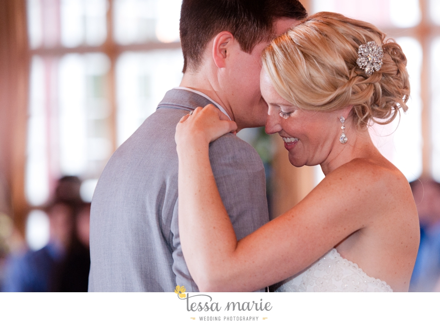 Ivy_hall_outdoor_wedding_creative_candid_emotional_wedding_pictures_tessa_marie_weddings_084