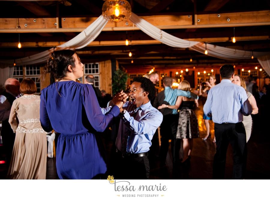 Ivy_hall_outdoor_wedding_creative_candid_emotional_wedding_pictures_tessa_marie_weddings_089