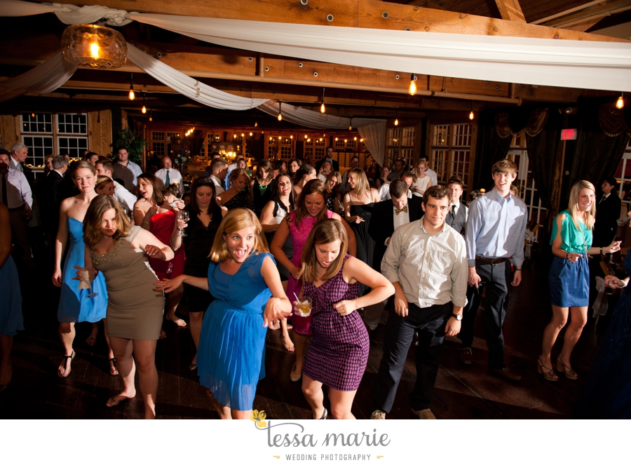 Ivy_hall_outdoor_wedding_creative_candid_emotional_wedding_pictures_tessa_marie_weddings_091