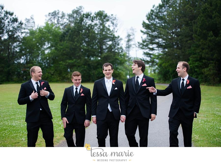 woodstock_wedding_krista_teddy_outdoor_wedding_pictures-31