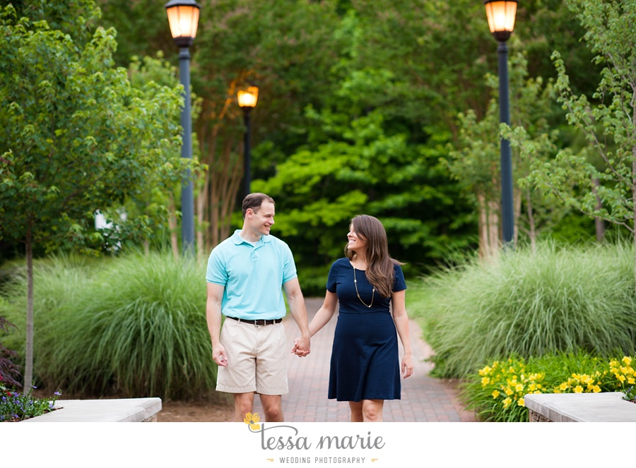 roswell_engagement_session_outdoor_candid_emotional_pictures_0031