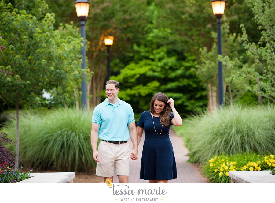 roswell_engagement_session_outdoor_candid_emotional_pictures_0034