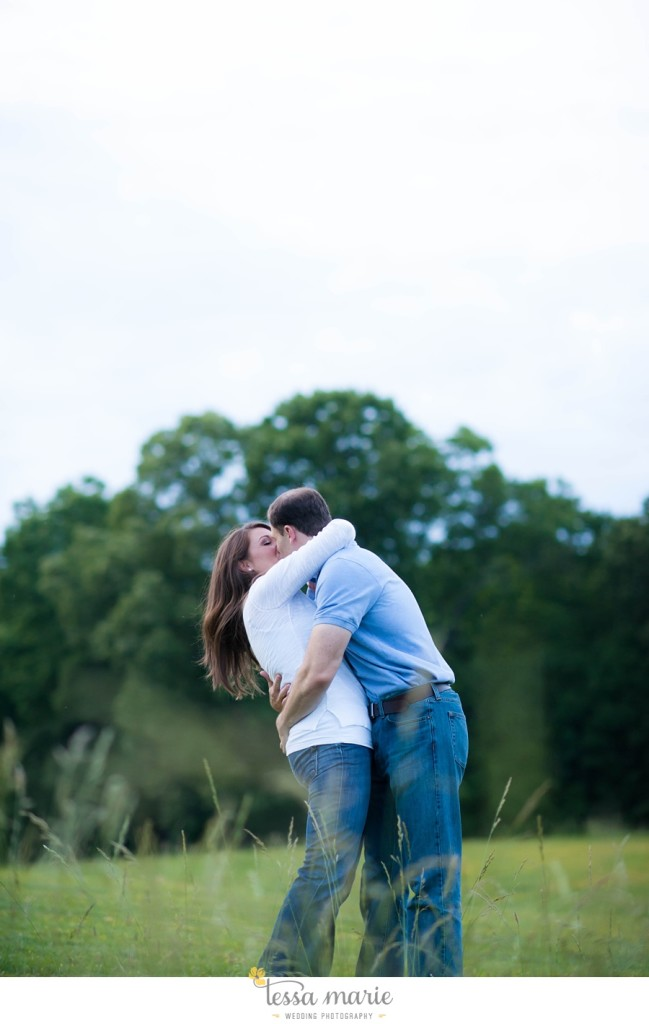 roswell_engagement_session_outdoor_candid_emotional_pictures_0058