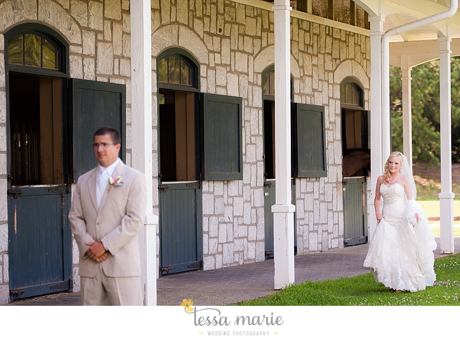 foxhall_wedding_outdoor_wedding_pictures_megan_rob_we_tie_the_knots_0037