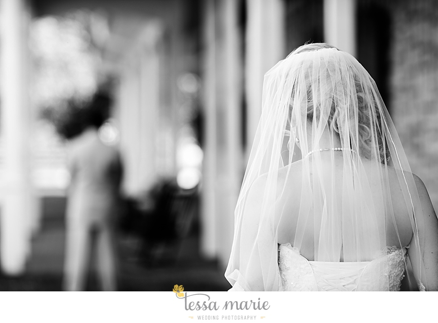 foxhall_wedding_outdoor_wedding_pictures_megan_rob_we_tie_the_knots_0038