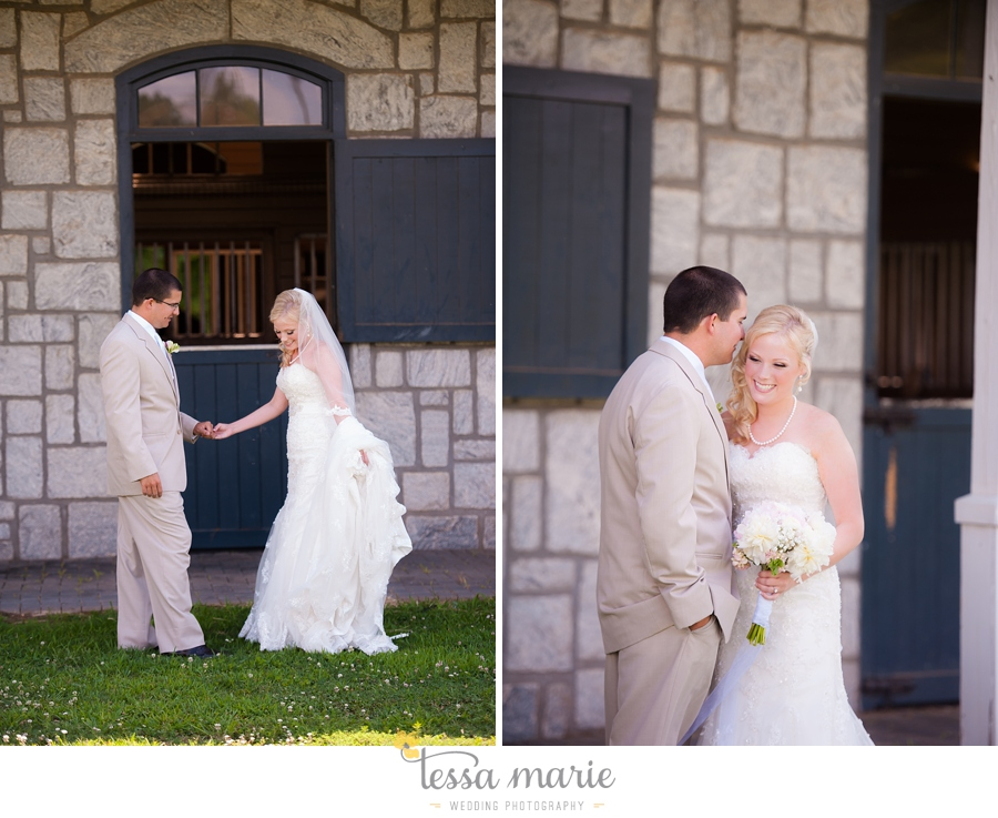 foxhall_wedding_outdoor_wedding_pictures_megan_rob_we_tie_the_knots_0042