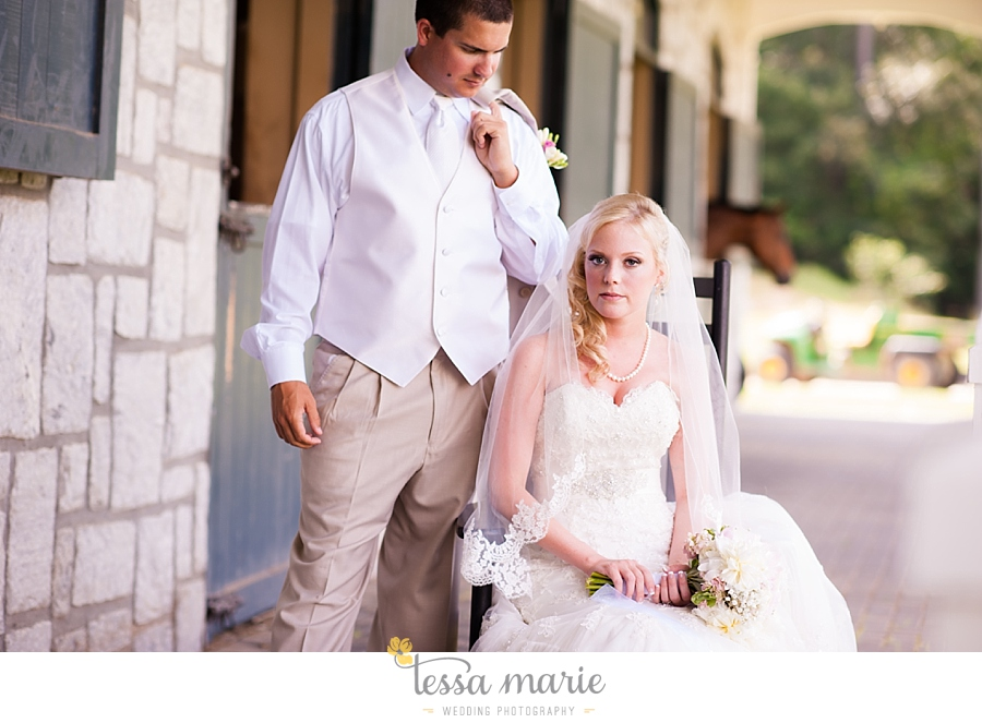 foxhall_wedding_outdoor_wedding_pictures_megan_rob_we_tie_the_knots_0050
