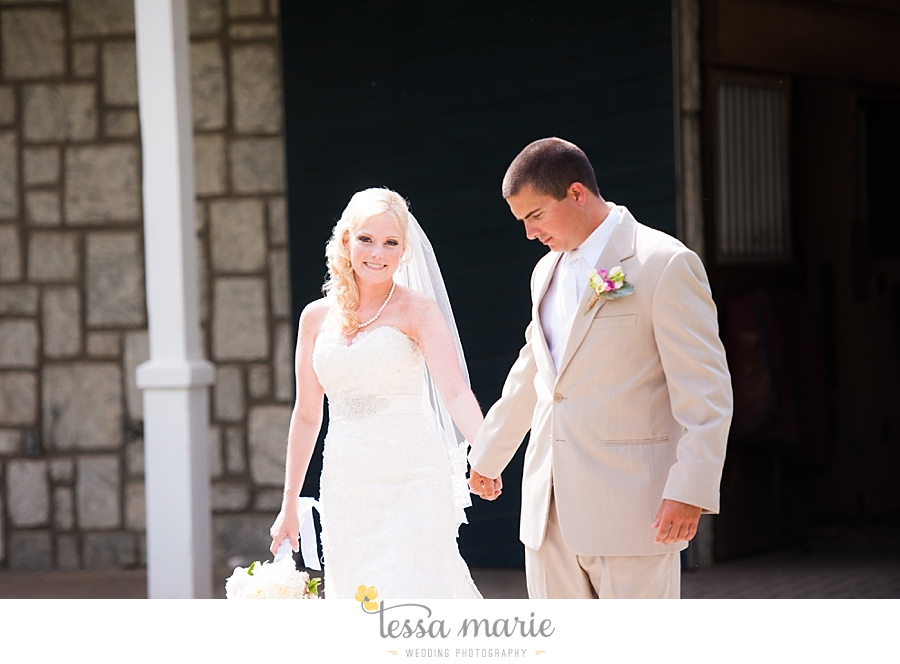 foxhall_wedding_outdoor_wedding_pictures_megan_rob_we_tie_the_knots_0052