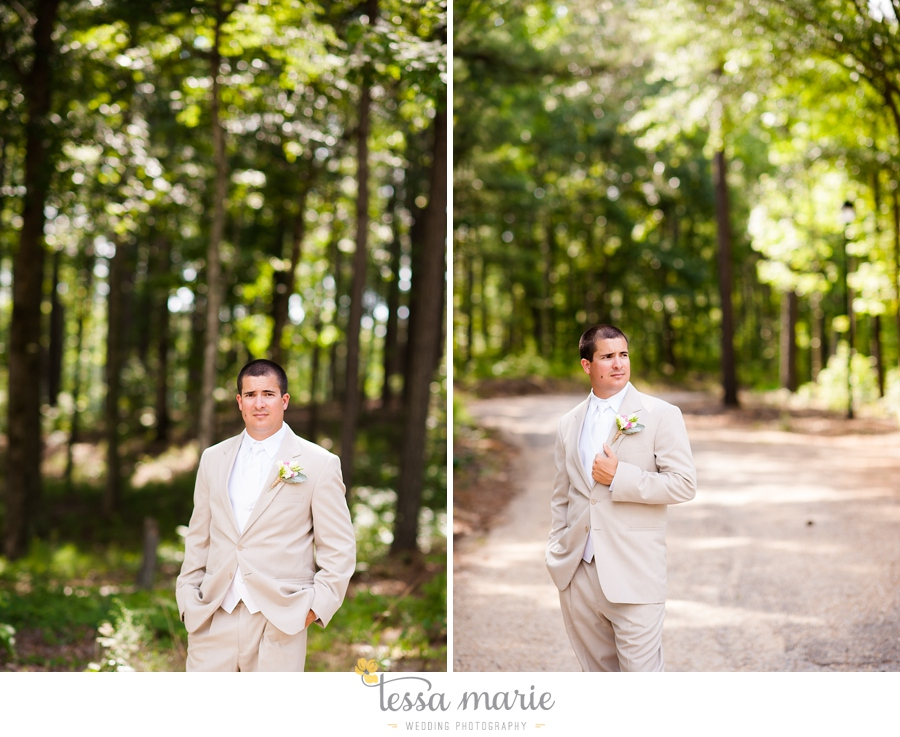 foxhall_wedding_outdoor_wedding_pictures_megan_rob_we_tie_the_knots_0054