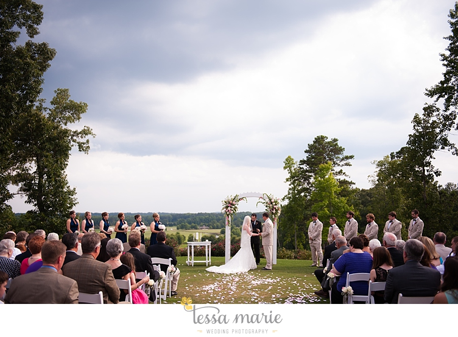 foxhall_wedding_outdoor_wedding_pictures_megan_rob_we_tie_the_knots_0084