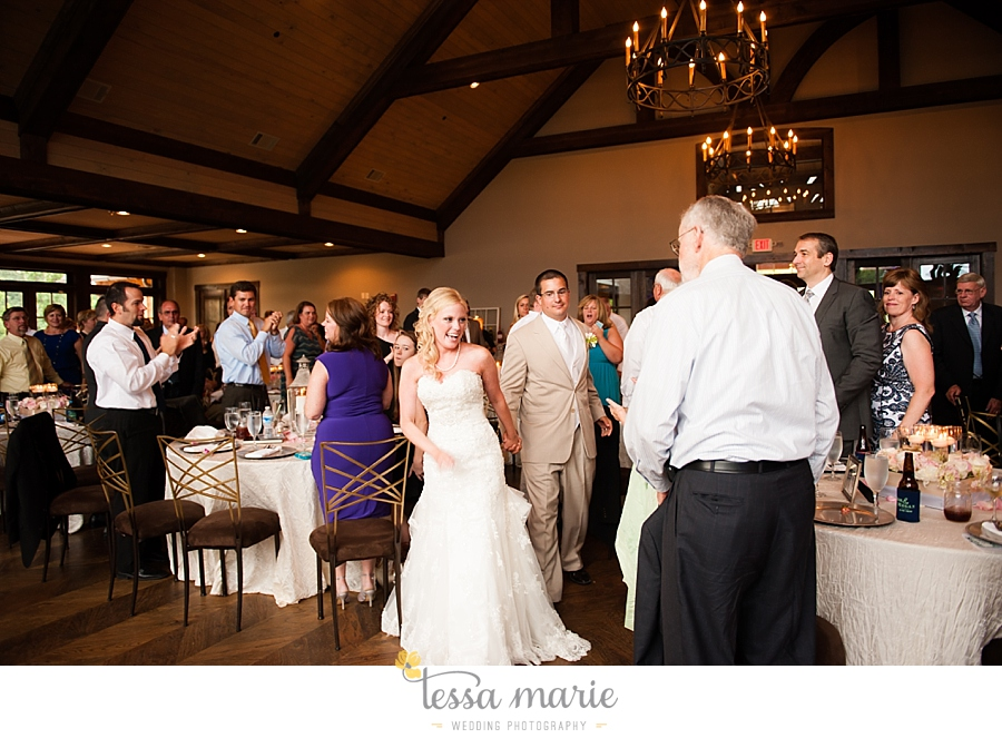 foxhall_wedding_outdoor_wedding_pictures_megan_rob_we_tie_the_knots_0126
