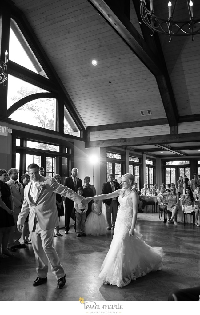 foxhall_wedding_outdoor_wedding_pictures_megan_rob_we_tie_the_knots_0128