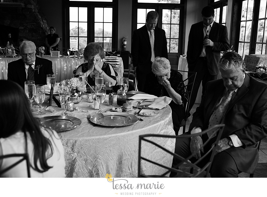 foxhall_wedding_outdoor_wedding_pictures_megan_rob_we_tie_the_knots_0136