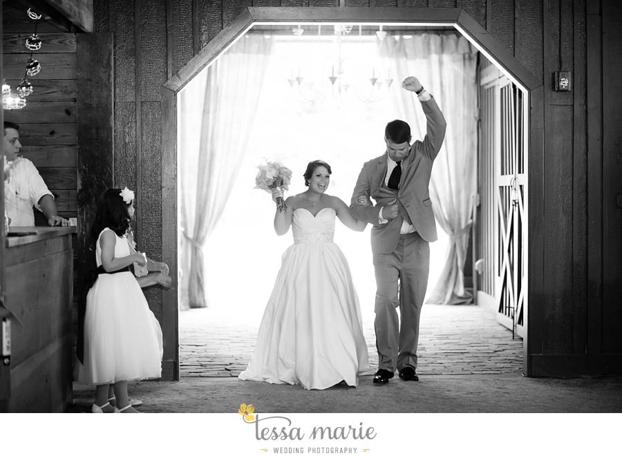 vinewoods_outdoor_wedding_pictures_atlantas_best_wedding_photographer_0103