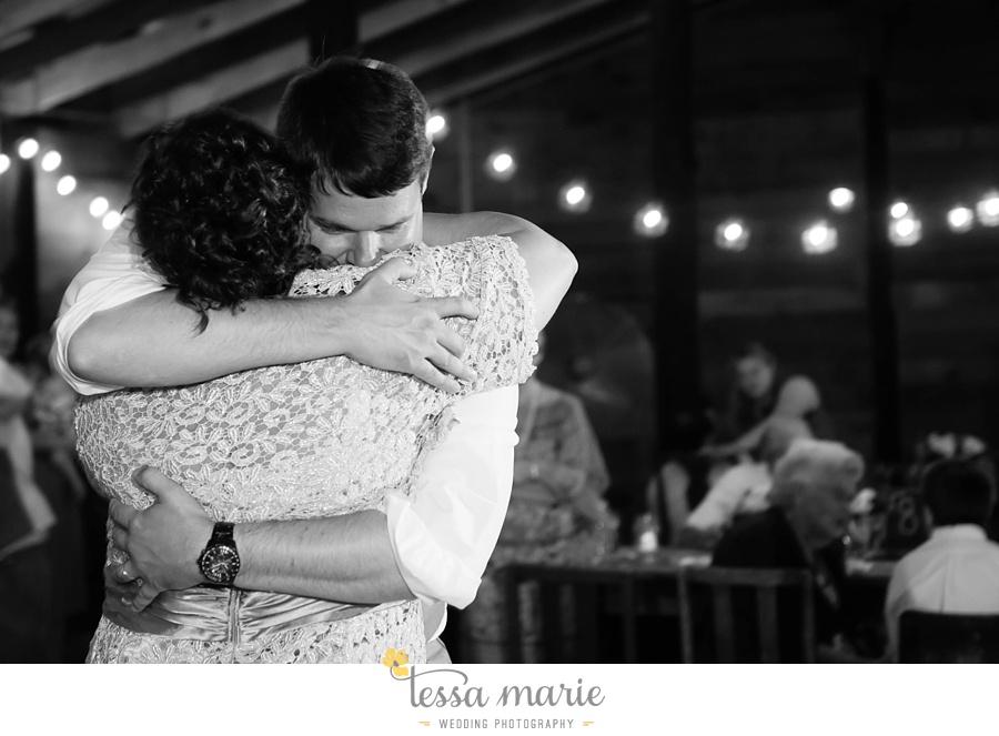 vinewoods_outdoor_wedding_pictures_atlantas_best_wedding_photographer_0127