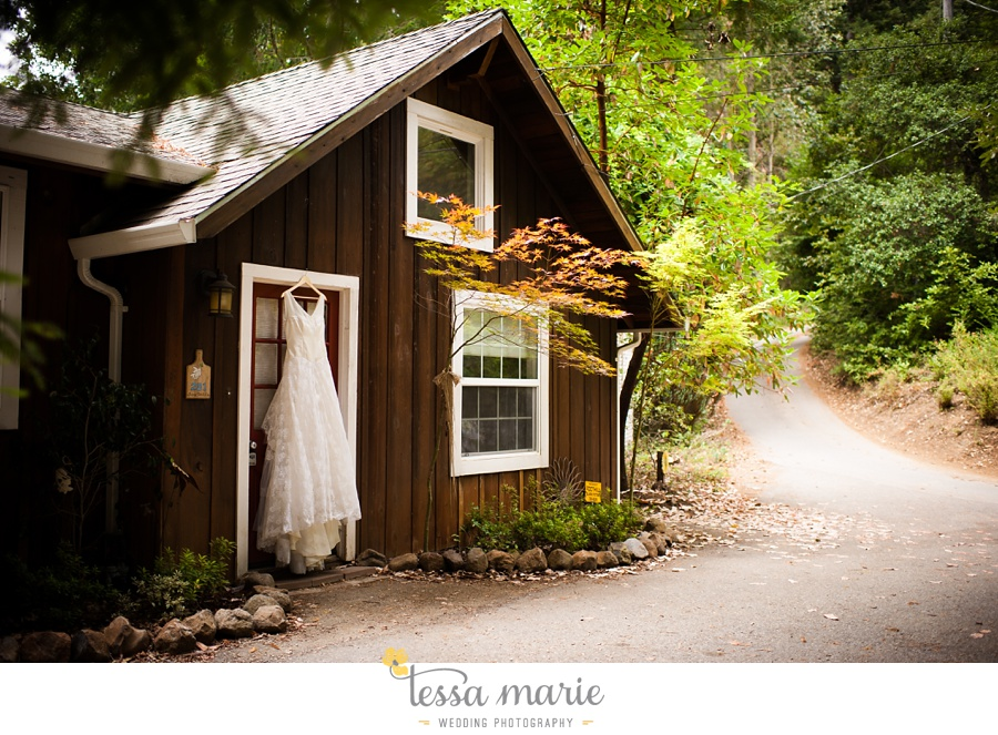 destination_wedding_sequoia_retreat_center_red_wood_forrest_california_coast_0012