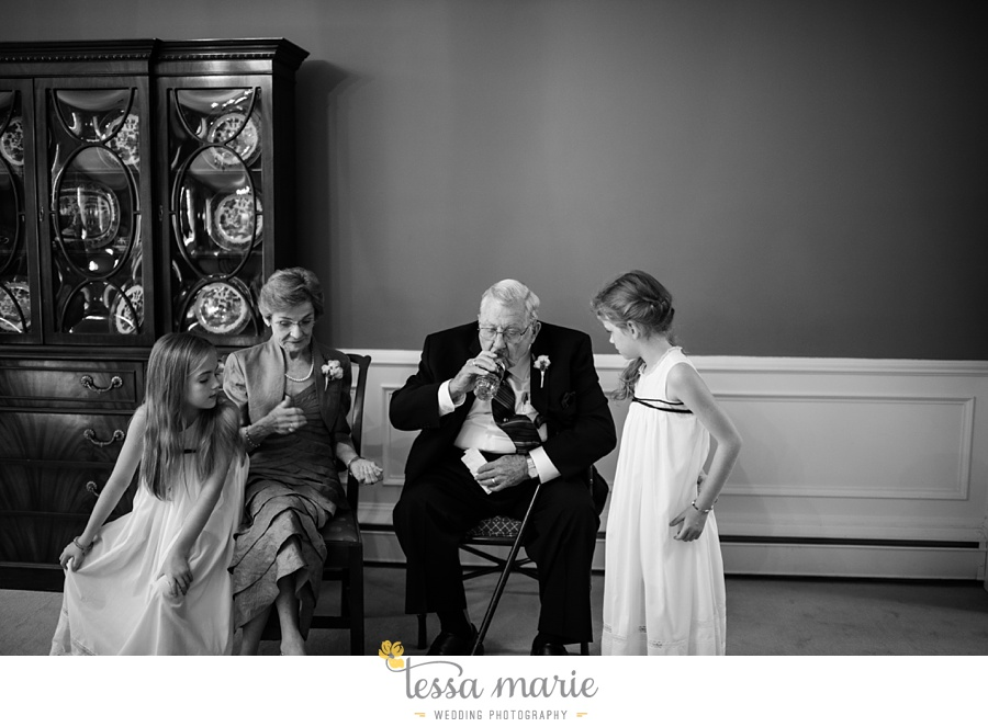 103_northside_united_methodist_church_fernbank_museum_wedding_pictures