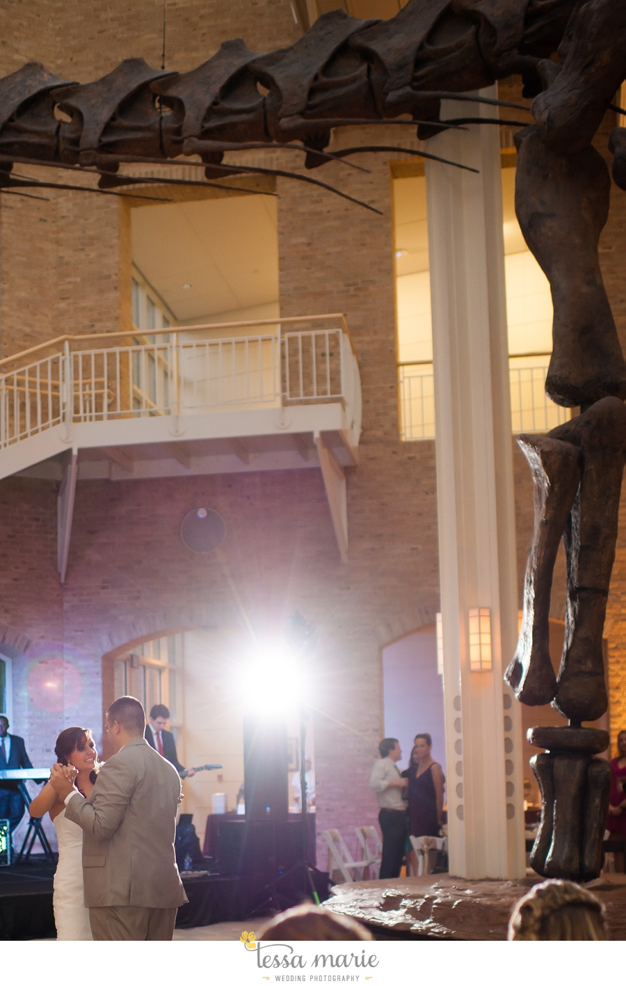 264_northside_united_methodist_church_fernbank_museum_wedding_pictures