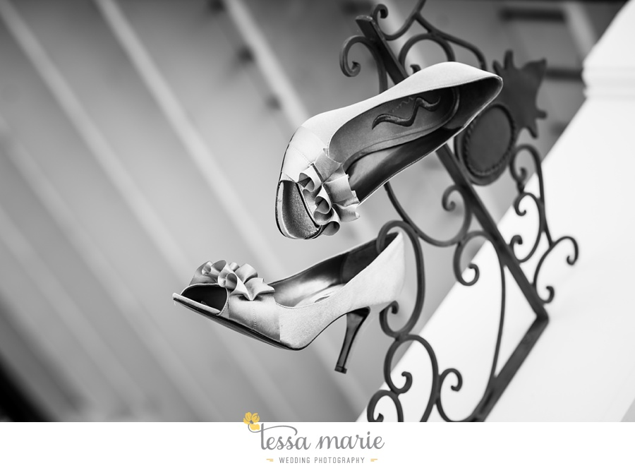 founders_hall_wedding_pictures_heather_brian_tessa_marie_Weddings_Candid_emotional_beautiful_light_wedding_pictures_0002
