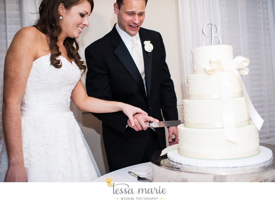 founders_hall_wedding_pictures_heather_brian_tessa_marie_Weddings_Candid_emotional_beautiful_light_wedding_pictures_0112