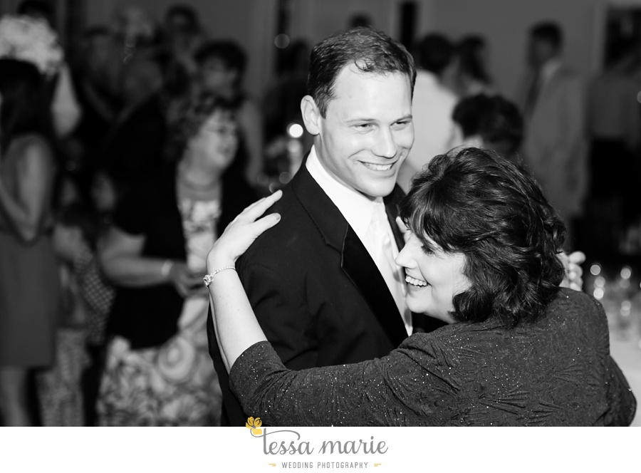 founders_hall_wedding_pictures_heather_brian_tessa_marie_Weddings_Candid_emotional_beautiful_light_wedding_pictures_0114