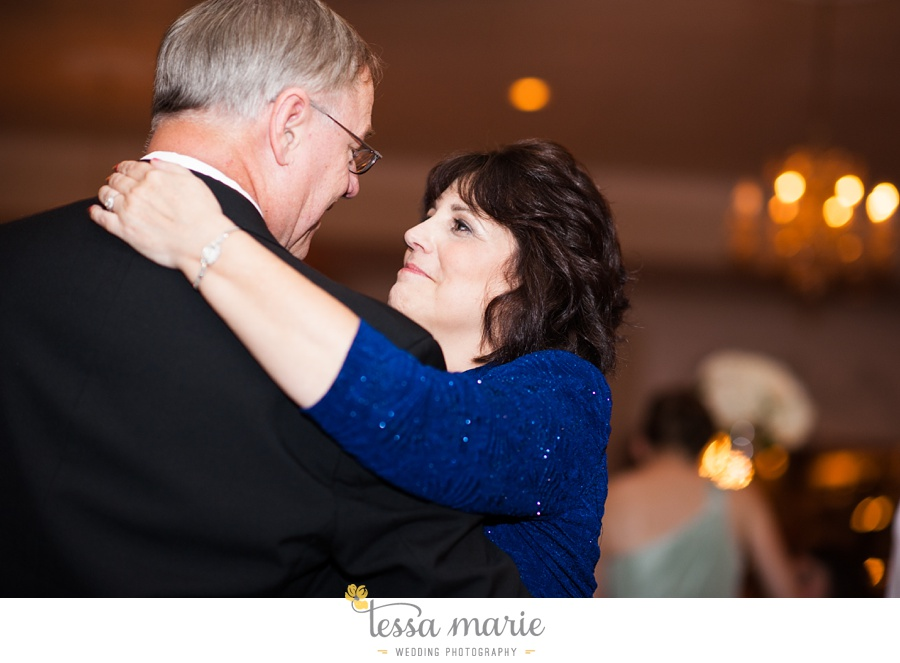 founders_hall_wedding_pictures_heather_brian_tessa_marie_Weddings_Candid_emotional_beautiful_light_wedding_pictures_0119