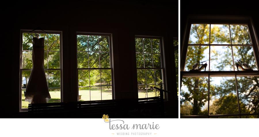 outdoor_wedding_pictures_marietta_sweethearts_candid_emotional_tessa_marie_weddings_0009