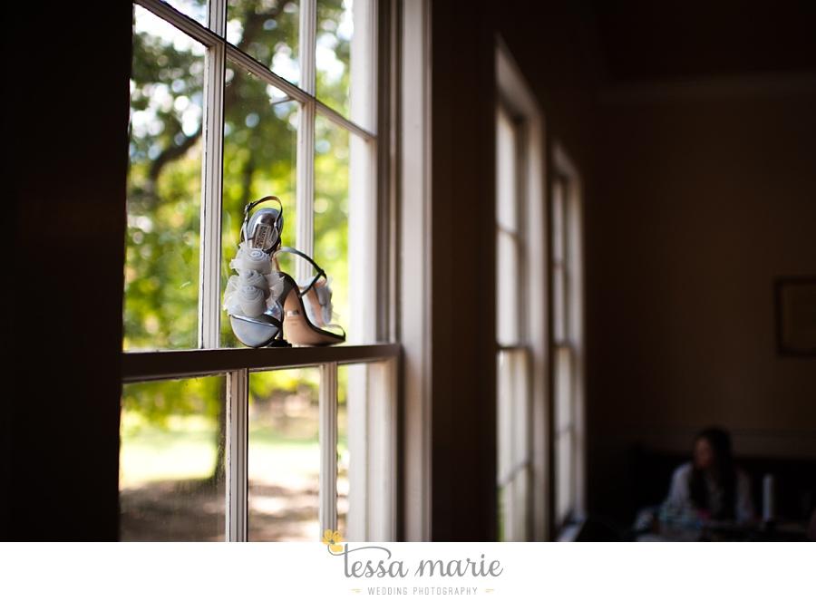 outdoor_wedding_pictures_marietta_sweethearts_candid_emotional_tessa_marie_weddings_0013