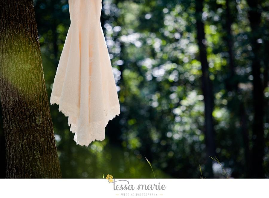 outdoor_wedding_pictures_marietta_sweethearts_candid_emotional_tessa_marie_weddings_0018