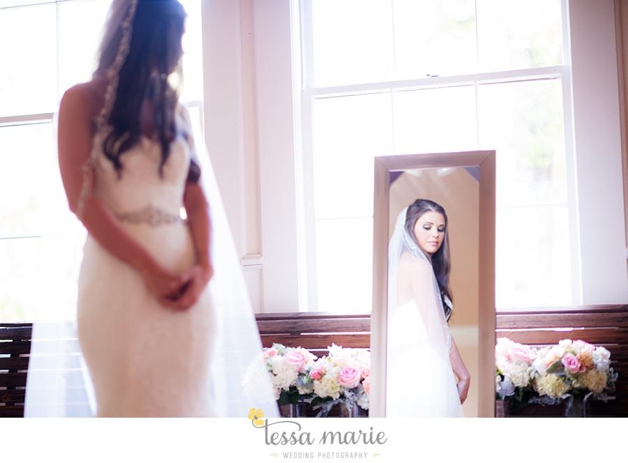 outdoor_wedding_pictures_marietta_sweethearts_candid_emotional_tessa_marie_weddings_0033