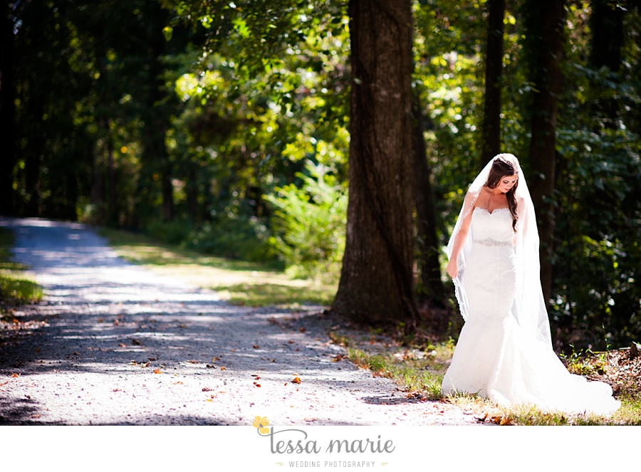 outdoor_wedding_pictures_marietta_sweethearts_candid_emotional_tessa_marie_weddings_0037