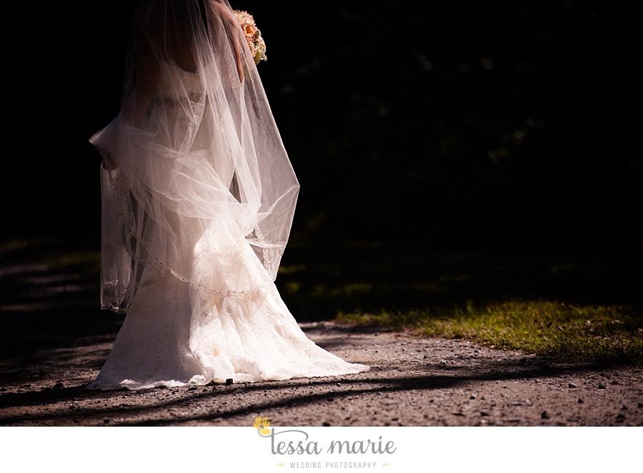 outdoor_wedding_pictures_marietta_sweethearts_candid_emotional_tessa_marie_weddings_0044