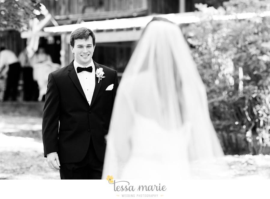 outdoor_wedding_pictures_marietta_sweethearts_candid_emotional_tessa_marie_weddings_0051