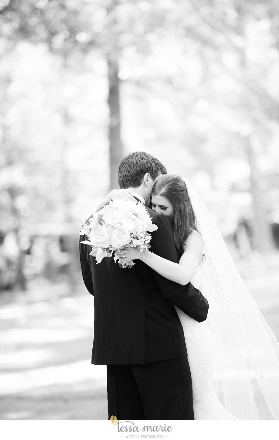 outdoor_wedding_pictures_marietta_sweethearts_candid_emotional_tessa_marie_weddings_0054