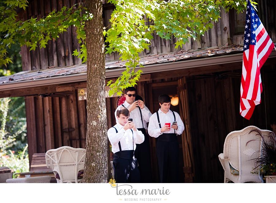 outdoor_wedding_pictures_marietta_sweethearts_candid_emotional_tessa_marie_weddings_0055