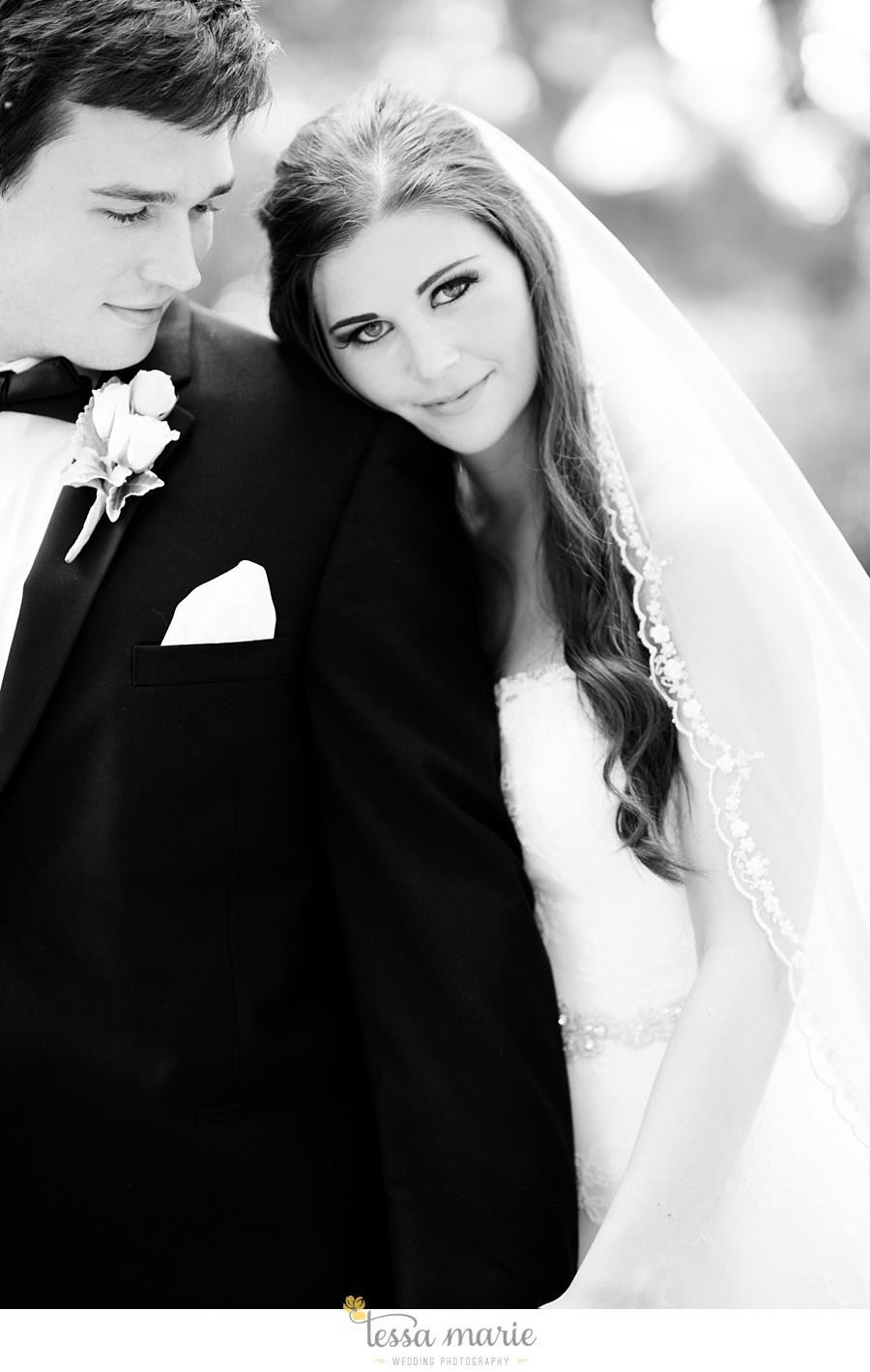 outdoor_wedding_pictures_marietta_sweethearts_candid_emotional_tessa_marie_weddings_0060