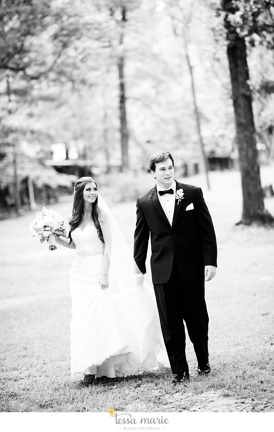 outdoor_wedding_pictures_marietta_sweethearts_candid_emotional_tessa_marie_weddings_0063