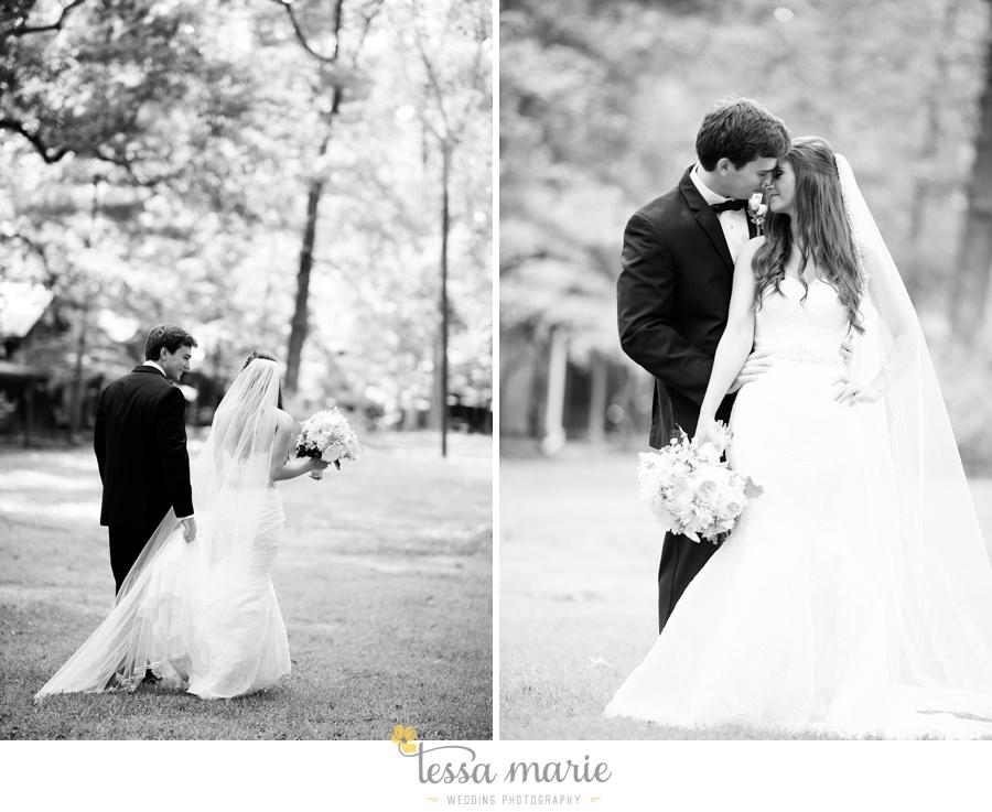 outdoor_wedding_pictures_marietta_sweethearts_candid_emotional_tessa_marie_weddings_0066
