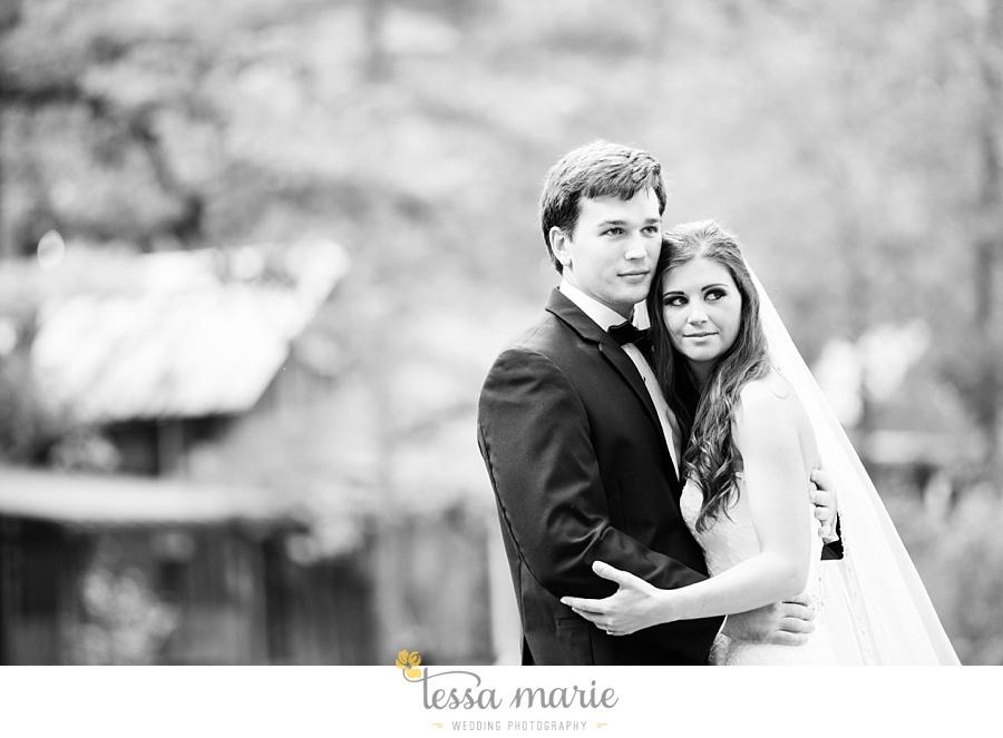 outdoor_wedding_pictures_marietta_sweethearts_candid_emotional_tessa_marie_weddings_0070