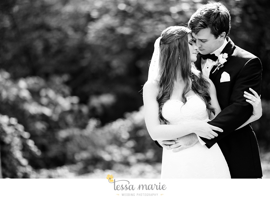 outdoor_wedding_pictures_marietta_sweethearts_candid_emotional_tessa_marie_weddings_0071