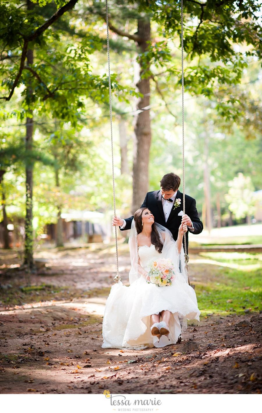 outdoor_wedding_pictures_marietta_sweethearts_candid_emotional_tessa_marie_weddings_0076