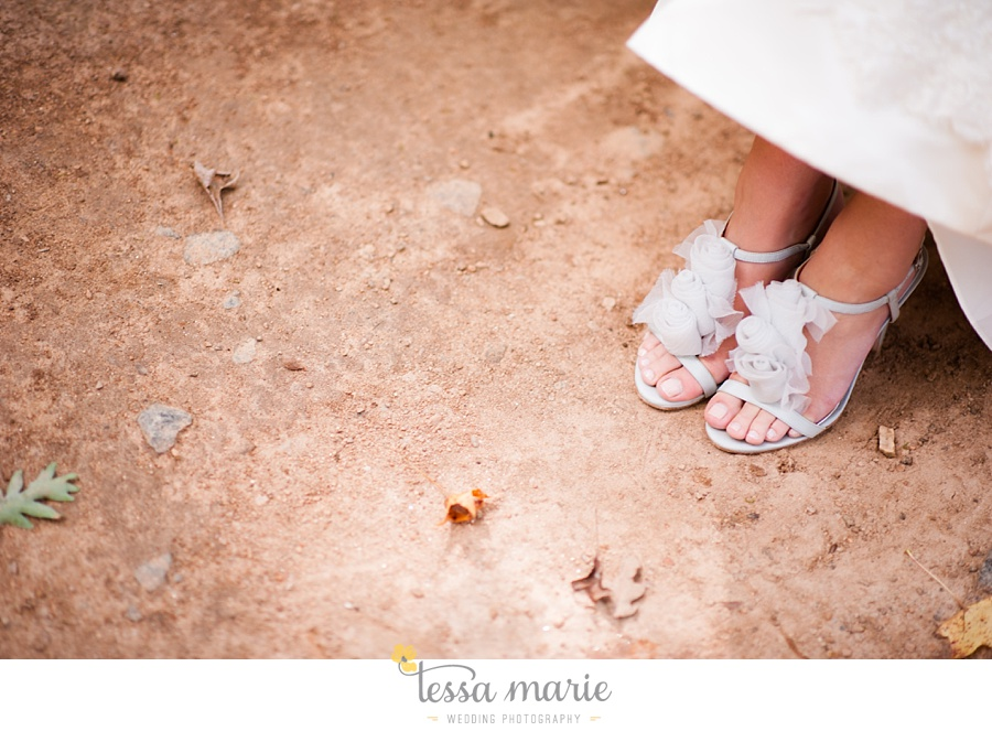 outdoor_wedding_pictures_marietta_sweethearts_candid_emotional_tessa_marie_weddings_0079