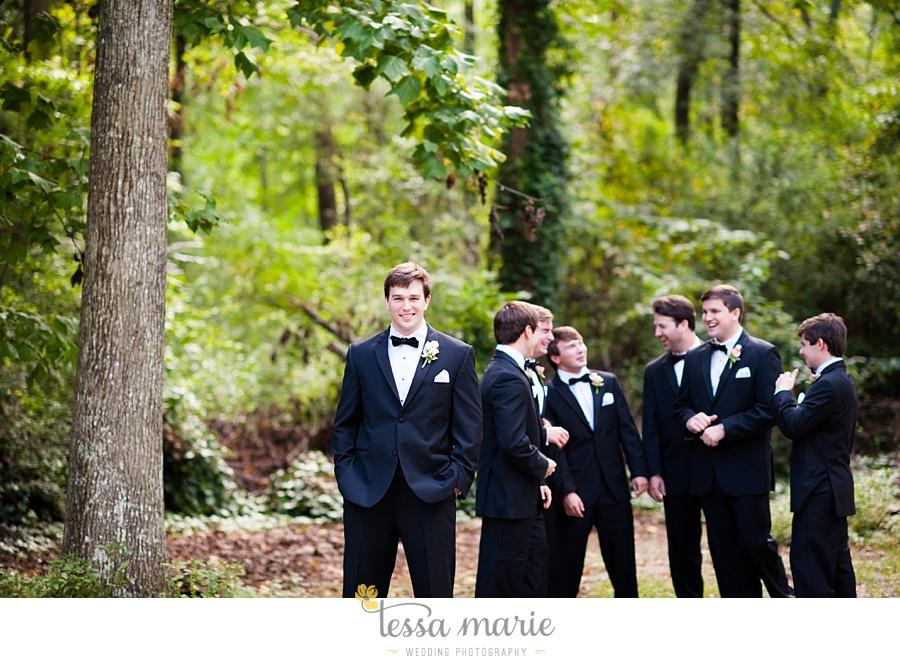 outdoor_wedding_pictures_marietta_sweethearts_candid_emotional_tessa_marie_weddings_0084