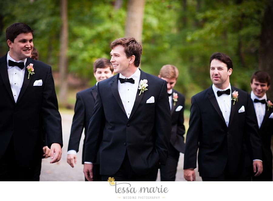 outdoor_wedding_pictures_marietta_sweethearts_candid_emotional_tessa_marie_weddings_0085