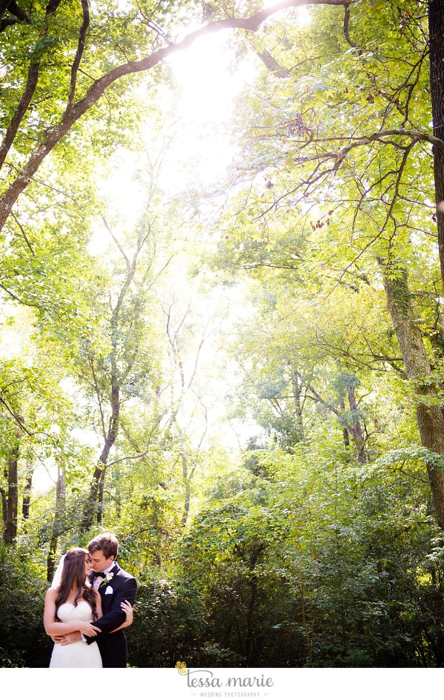 outdoor_wedding_pictures_marietta_sweethearts_candid_emotional_tessa_marie_weddings_0087